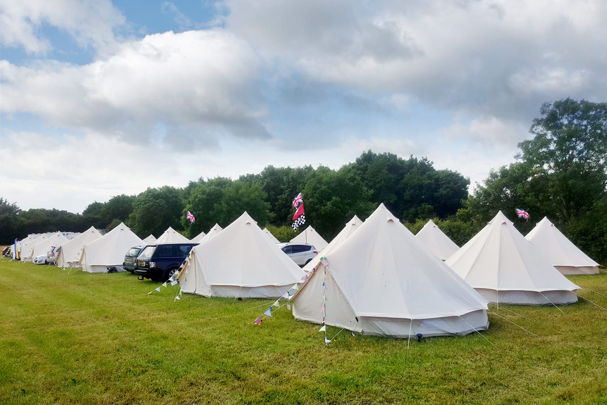 Circuito De Silverstone : Formula 1 2018 camping silverstone luxury bell tent hire from